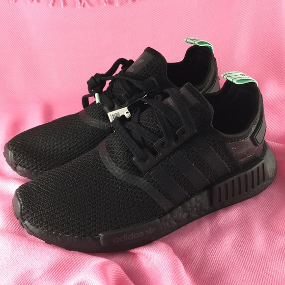 cheaper 7647f 6622b Adidas NMD R1 Triple Black Boost S31508 NWT